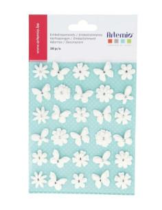 Flores y mariposas blancas de papel de Artemio